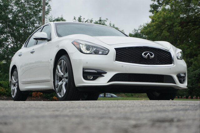 Pre-Owned 2019 INFINITI Q70 3.7X LUXE SPORT PROACTIVE