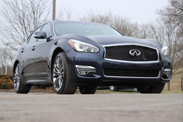 Pre-Owned 2019 INFINITI Q70 3.7X LUXE PREMIUM SELECT