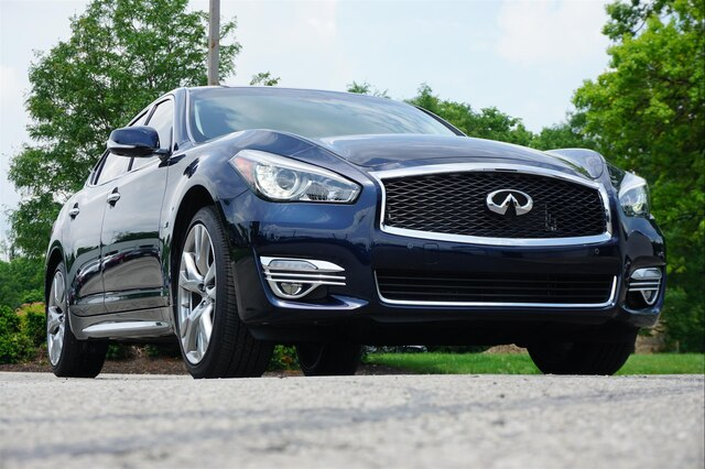 Pre-Owned 2018 INFINITI Q70L 3.7X LUXE ESSENTIAL 20 WHEELS