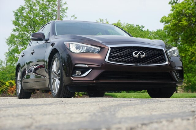 Pre-Owned 2018 INFINITI Q50 3.0t LUXE ESSENTIAL