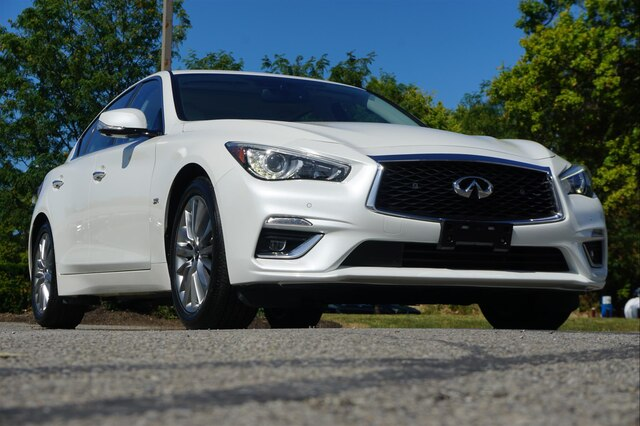 Pre-Owned 2019 INFINITI Q50 3.0t LUXE ESSENTIAL PROASSIST