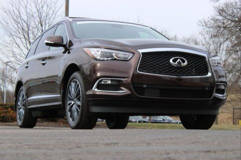 Certified Pre-Owned 2019 INFINITI QX60 LUXE ESSENTIAL SENSORY PROACTIVE