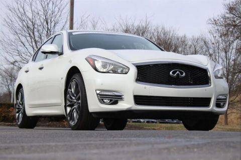 Certified Pre-Owned 2018 INFINITI Q70 3.7X LUXE PREMIUM SELECT